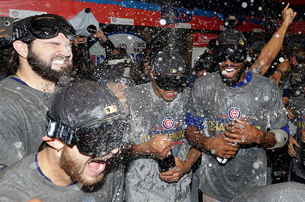 cubs-win-bubbly
